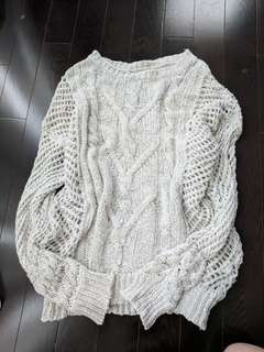 Sweater size 2-4