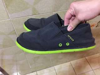 Preloved boy Crocs shoes size J2