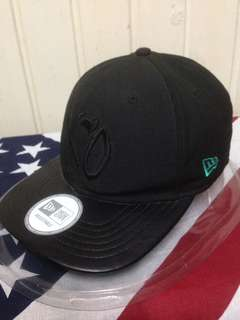 The weekend xo kiss land tour limited edition new era SnapBack hat