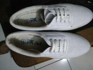 sepatu wanita putih px style