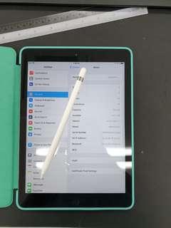 Gray Apple iPad 6th gen with apple pencil