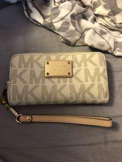Micheal kors wallet with wristband