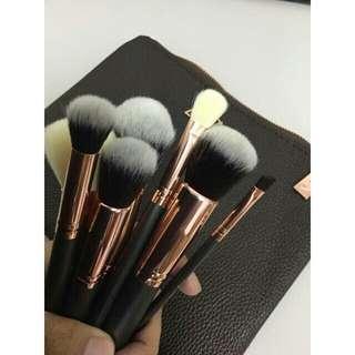 Zoeva Face Brushes Set