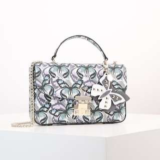 Guess crossbody flutter butterfly