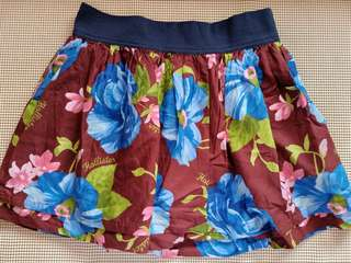 Bnew authentic HOLLISTER SKIRT