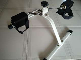 Paddle Exerciser (Cycling exercise)