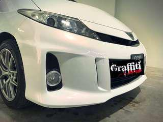 Car spray pearl white with red effect