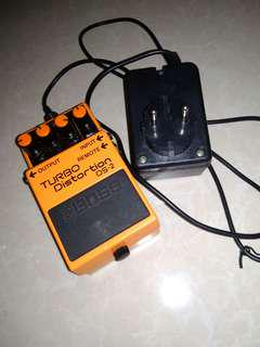 Boss Distortion Turbo DS-2 + adaptor