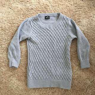 Grey 3/4 sleeve knit sweater
