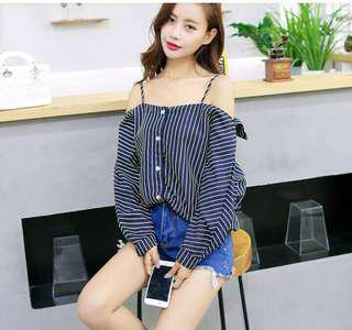 Off-shoulder longsleeves top