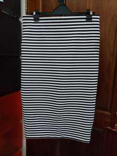 Forever21 黑白條紋窄裙
