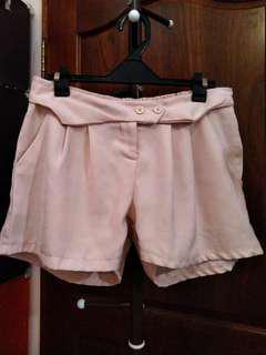 杏色休閒短褲
