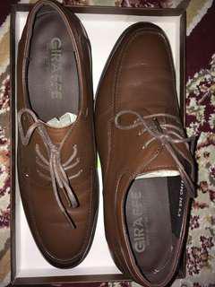 Giraffe shoes