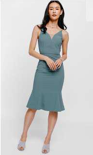 LB Dynae textured trumpet midi dress