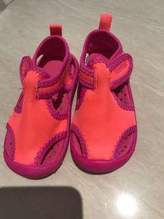 OshKosh US5 Baby girl bright colour sandals