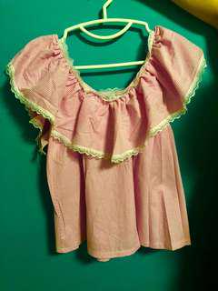 💁🏼♀️粉紅荷葉邊上衣  #一字膊