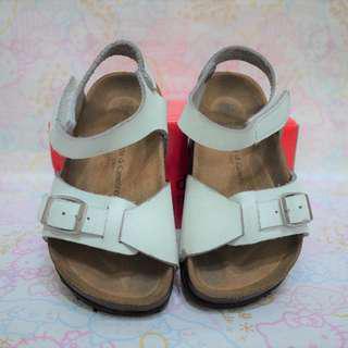 🚚 [二手]Roberta di Aamerino 諾貝達 白涼鞋 $180 尺寸16 已洗淨 附鞋盒
