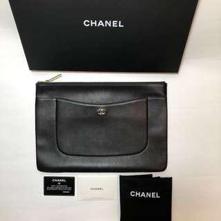 Chanel O case Caviar Large