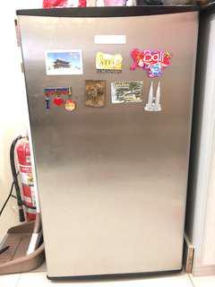 American Home Personal Refrigirator
