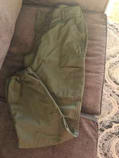 Authentic army pants size- medium