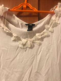 🚚 H&M 白色上衣
