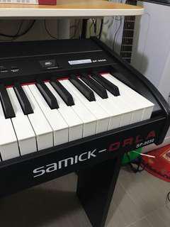Piano, samick orla sp-9050