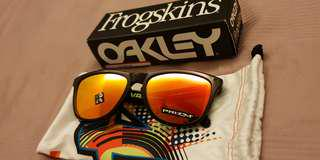 Oakley Frogskins Prizm Ruby Red Valentino Rossi Limited Edition