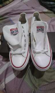 Chuck Taylor All Star 白低筒鞋