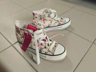 Let go floral shoes 1 pair (price include postage)