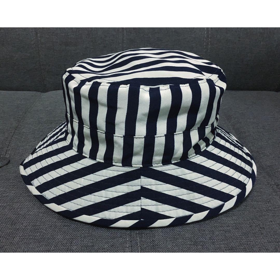 AUTHENTIC MOSCHINO HAT BUCKET CAP STRIPE VERY RARE 4c146c99c84