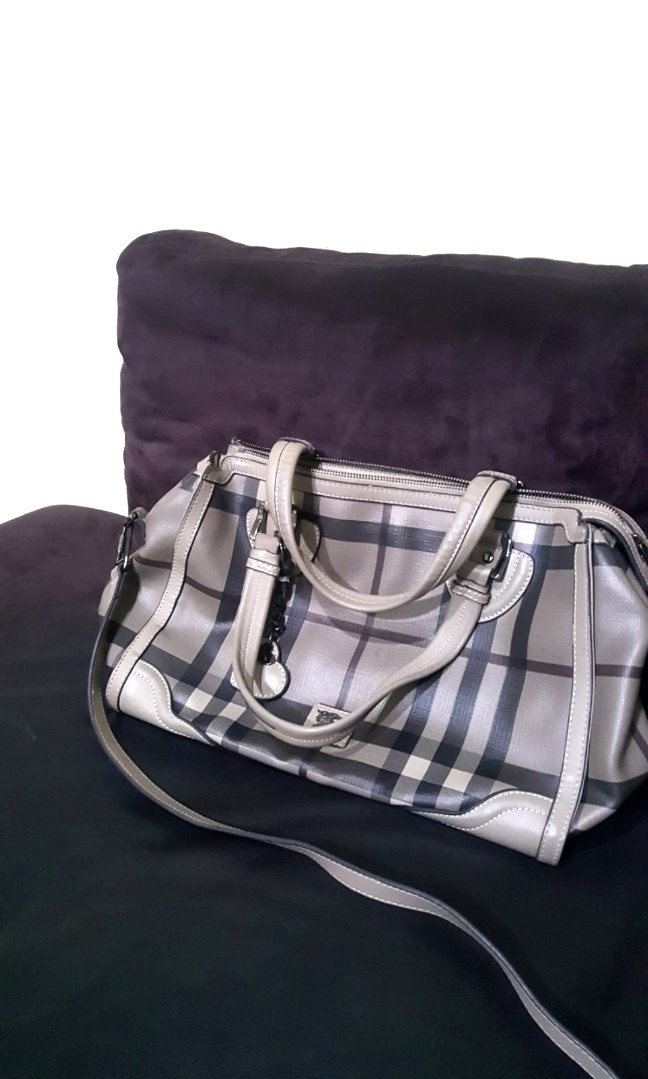BURBERRY BAG 2d09e44889
