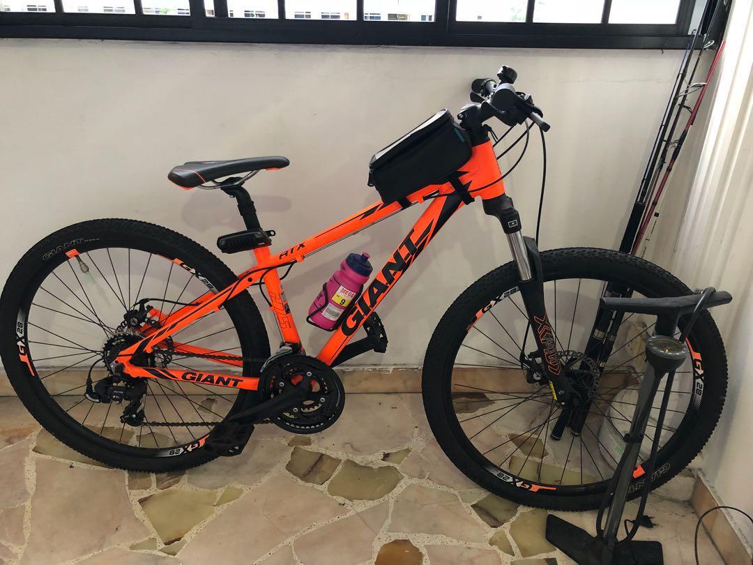 GIANT mountain bike, Bicycles & PMDs, Bicycles, Mountain