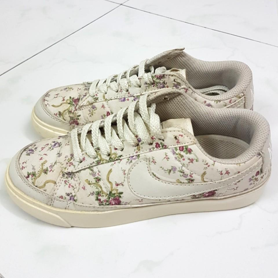 INSTOCK Nike Blazers Liberty White Rose Floral Sneakers