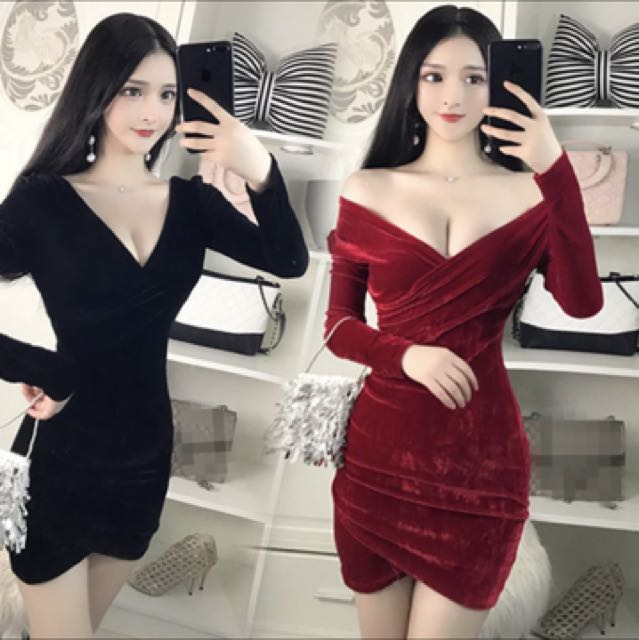 430fb4508195 Long sleeve velvet off shoulder dress red and black