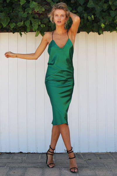 Maurie and Eve - Emerald green satin dress, Women's Fashion, Clothes on  Carousell