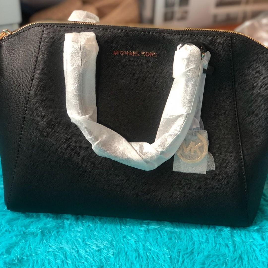 aac5e26a4f Michael Kors Ciara Large Black Tote, Luxury, Bags & Wallets ...