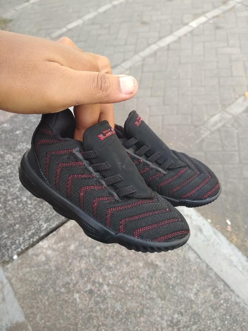 Nike Lebron 16 kids 73813c3102