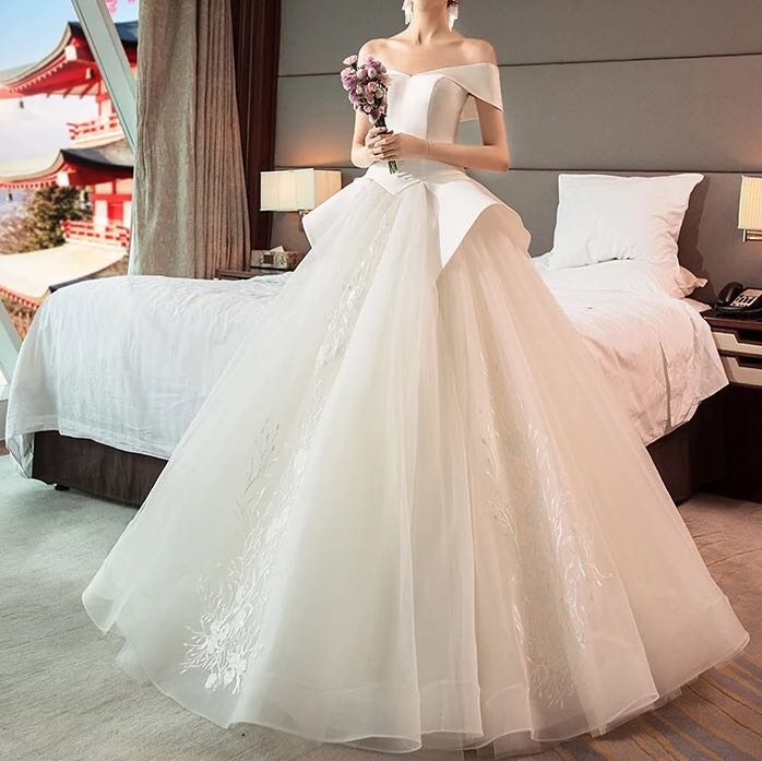 94e0df7a4 Wedding Gown wedding dress ball gowns silk lace, Women's Fashion ...