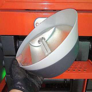 Electric Bright Light Office Lamp TU200-UK 9 watt Philips Lamp Esmond Brand Magnetic Base $79. @ 442 Yishun Avenue 11 Singapore 760442