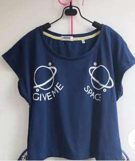 深藍T-shirt