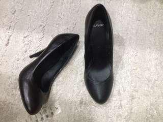 Topshop 黑色高跟鞋