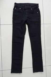 🚚 日本製EDWIN鑀得恩黑色牛仔褲 緊身顯瘦(XS)