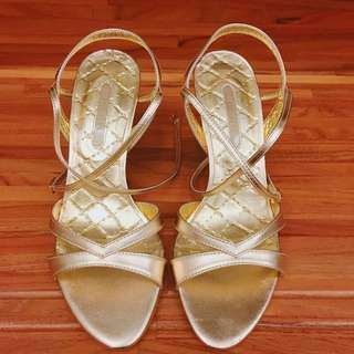 🚚 金色綁帶高跟鞋
