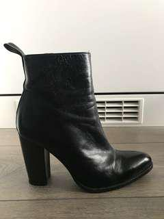 ZARA: Black Heeled Booties