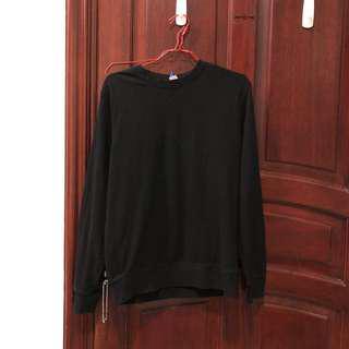 HM black sweatshirt size M