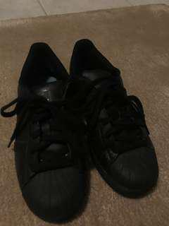 Junior size 5 Black Superstars
