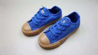 Sepatu converse size 22