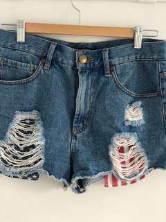 Highwaisted denim shorts