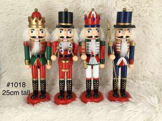 Set of 4 Nutcrackers 25 cm
