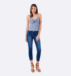 Forever New Size 4 Jeans Hannah Crop Frayed Cuff Faded Skinny Blue Jeans Low Rise